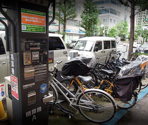 新宿西口の自転車駐輪場その2