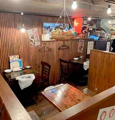 渋谷駄菓子バーの店内