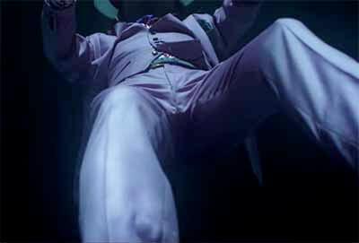 椎名林檎「鶏と蛇と豚」に映るGINZASIXの1シーン画像