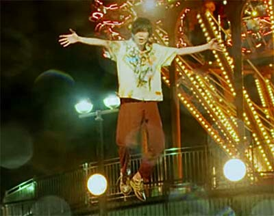 米津玄師のMV「kanden」の演出で空飛ぶシーン
